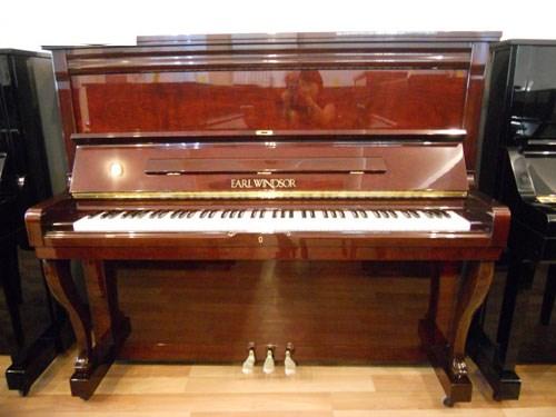 Piano cơ EARL WINDSOR W113