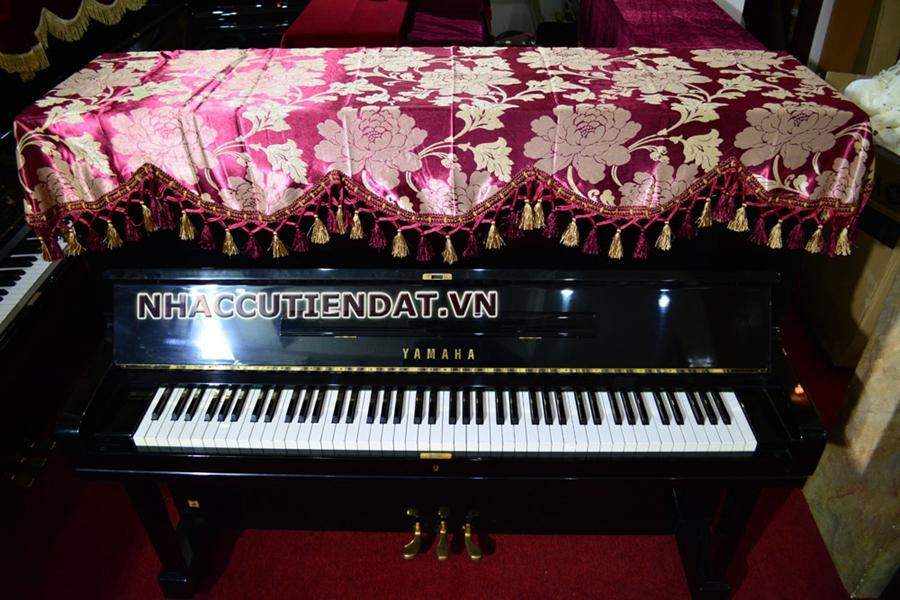 Khăn phủ đàn Piano đỏ thêu hoa hồng - U104