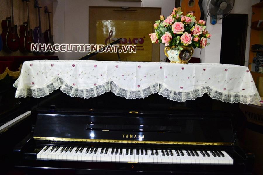 Khăn phủ đàn Piano thêu hoa nhí đỏ - U107
